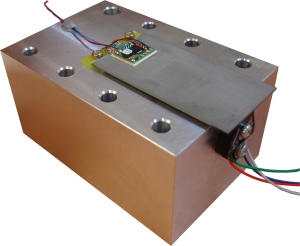 Piezo bender actuator with integrated 200V power electronics